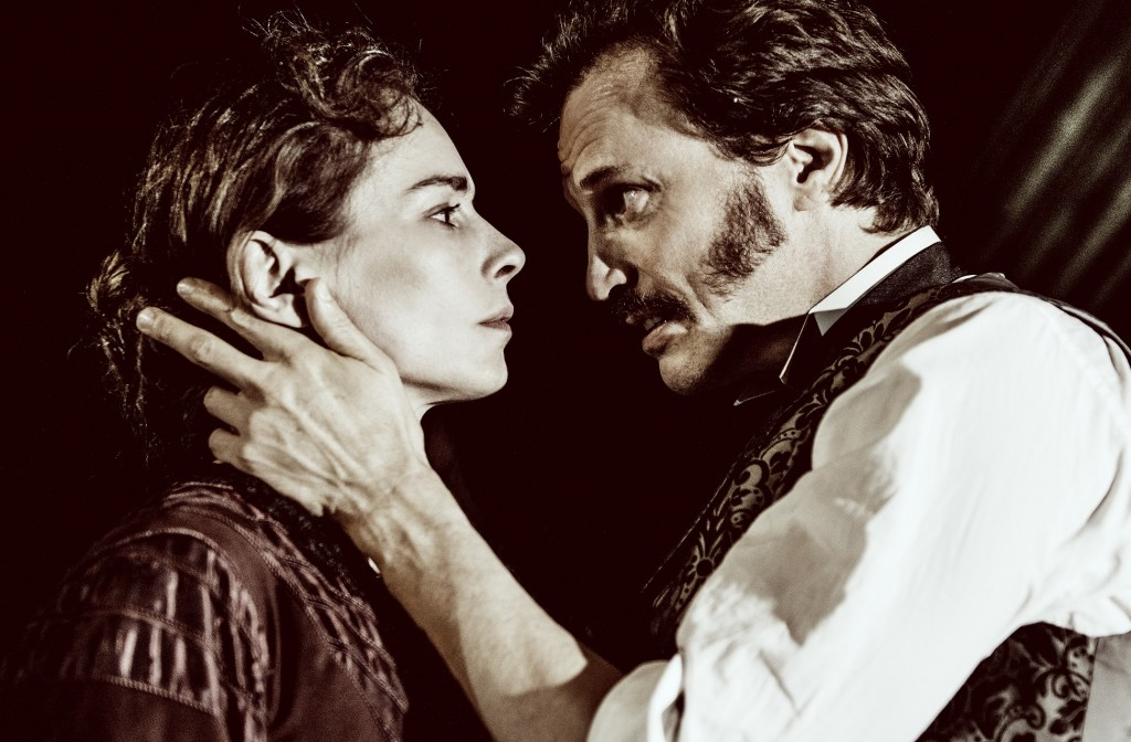 Tara Fitzgerald & Jonathan Firth in Gaslight. Images Idil Sukan & DrawHQ