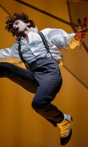 Kneehigh The Flying Lovers of Vitebsk  2 c Steve Tanner Marc Antolin as Marc Chagall