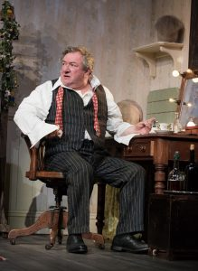 ken-stott-in-the-dresser-credit-hugo-glendinning