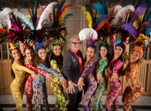 Billy Connolly with the cast of Brazouka